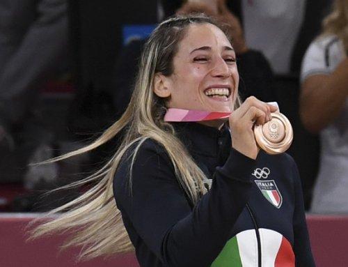 Maria Centracchio torna nella sua scuola